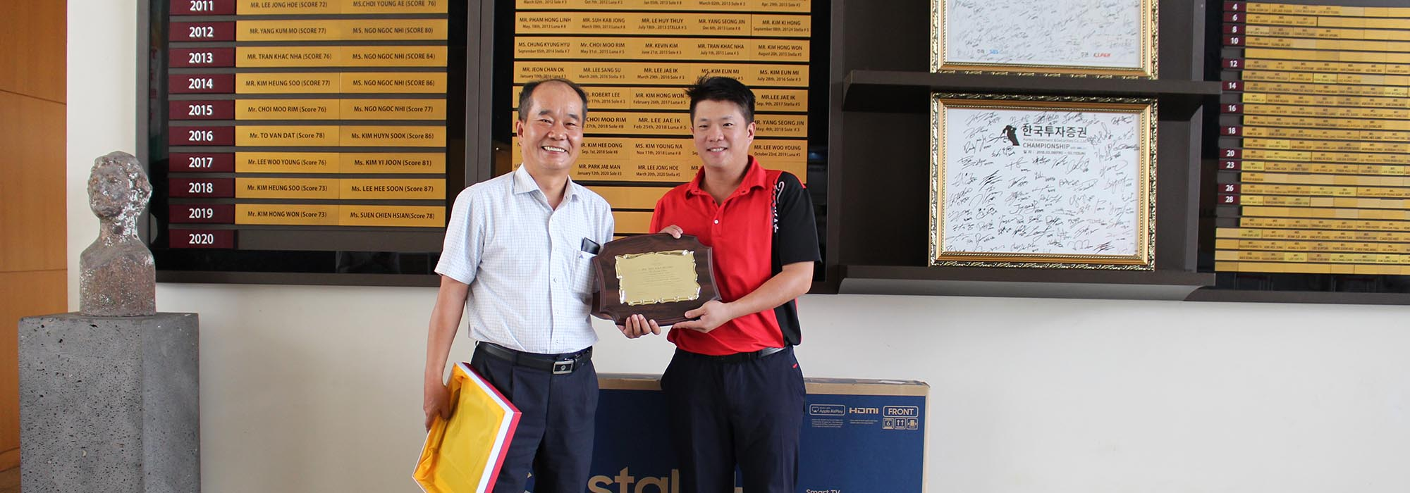 Hole-in-one Mr. WEI HAN HUANG